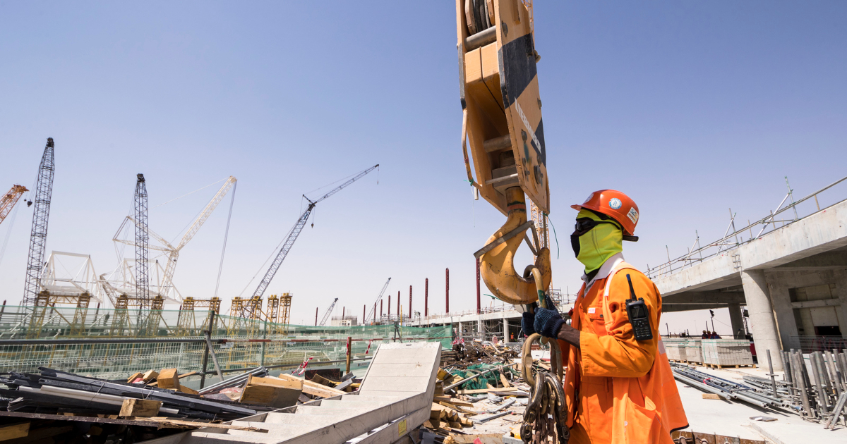 Qatar 2022 construction takes considerable dust suppression measures.
