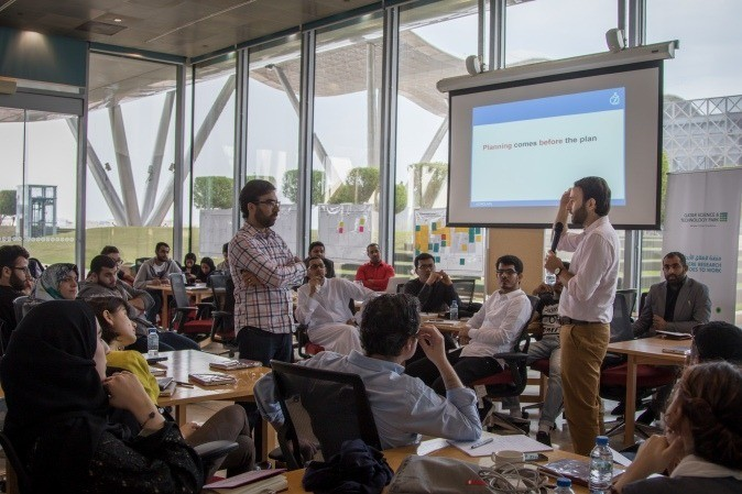Challenge 22 entrants fine tune their projects with the help of AstroLabs
